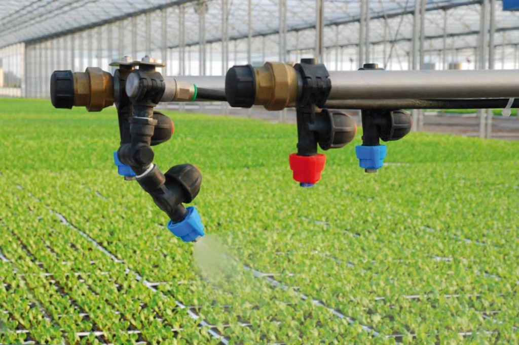 fertigation by means of fertilizer driven forward osmosis